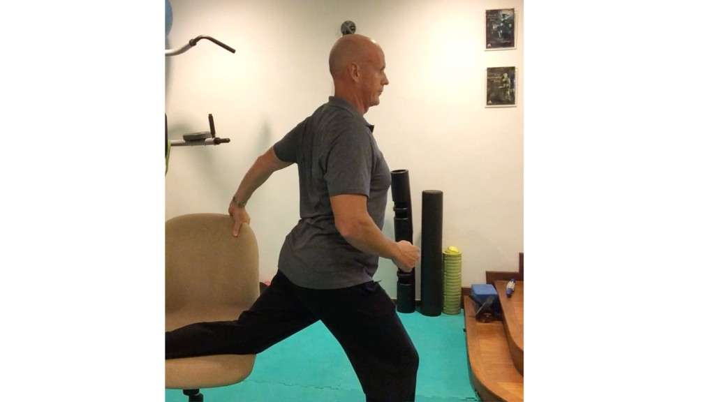 3-Steps-to-an-upright-posture-in-your-office-chair-Step-2-1024x576
